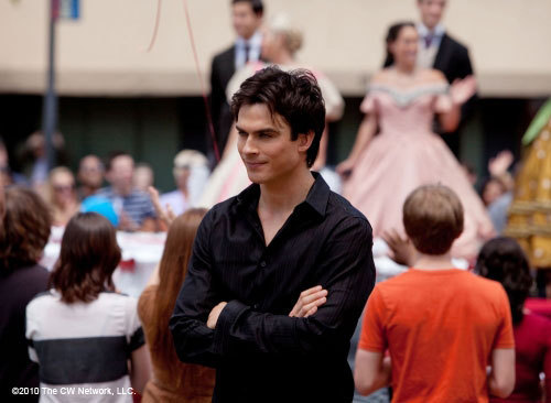 http://images2.fanpop.com/image/photos/11700000/Founder-s-Day-1-22-Episode-Stills-the-vampire-diaries-11768354-500-366.jpg