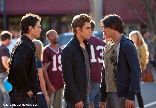 http://images2.fanpop.com/image/photos/11700000/Founder-s-Day-1-22-Episode-Stills-the-vampire-diaries-11768367-500-347.jpg