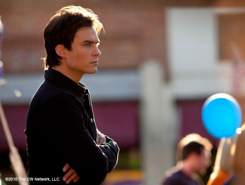 http://images2.fanpop.com/image/photos/11700000/Founder-s-Day-1-22-Episode-Stills-the-vampire-diaries-11768377-500-378.jpg