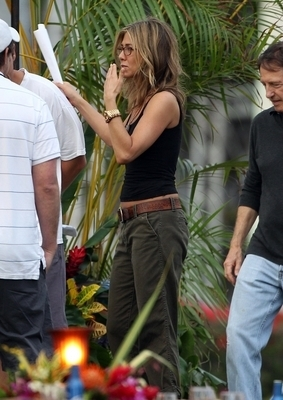 "Jennifer on set ""Just Go With It"""