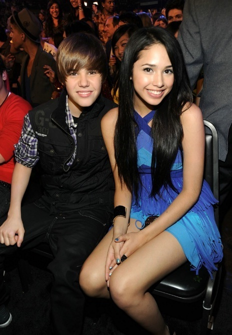 Justin Bieber with Jasmine V at an Awards Show - justin-bieber photo