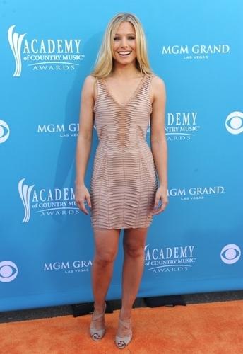 Kristen @ 2010 CMA Awards