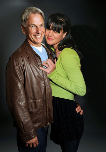 MARK HARMON & PAULEY PERRETTE (GIBBS & ABBY)