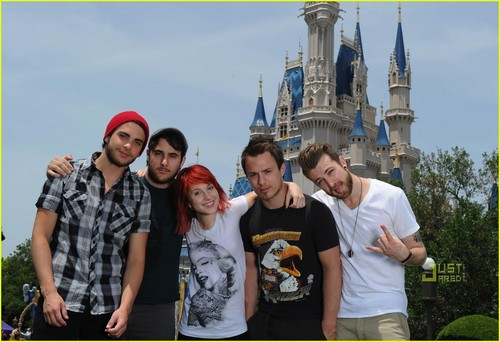 Paramore at Дисней World (April 24th)