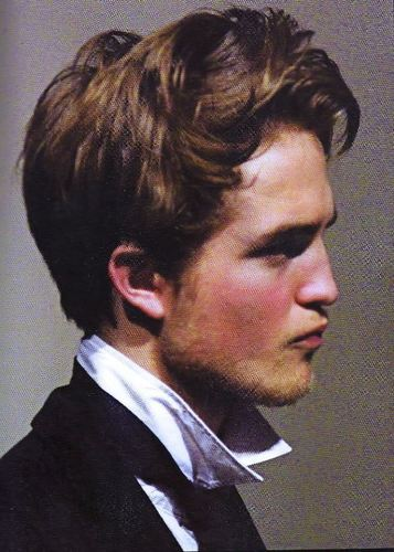 Pics of Robert Pattinson in Tess of the D'Urbervilles
