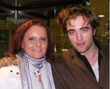 Rob with a fã in Munich Germany - December 2008