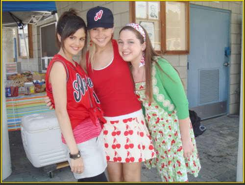 Selena Gomez, Chelsea Staub, & Jennifer Stone on set of Wizards