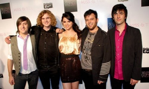 Selena Gomez & The Scene at the 키스 & Tell Release Party