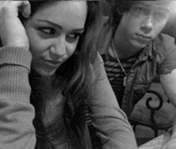 Self Shot Niley Pics - miley-cyrus Photo