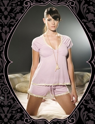 Sexy Ashley Greene Pakaian dalam Pictures