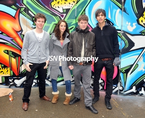 Skins Cast Fotos