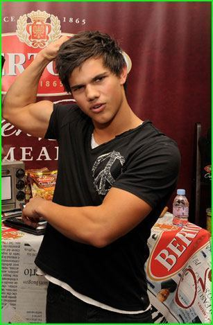 Taylor lautner caught by BOP at a Party!