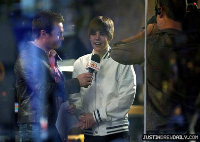 telebisyon > Interviews/Performances > 2010 > Sunrise Show, Sydney Australia; (April 26th)