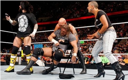 WWE RAW 19th April 2010