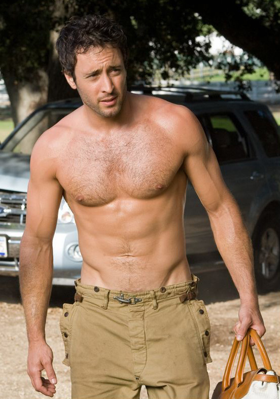 Alex Oloughlin Net Worth