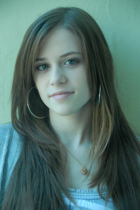 Caitlin Beadles On Twitter 13 Year Old Girl Now Vs Me As: Caitlin Victoria Beadles Photo (11728186