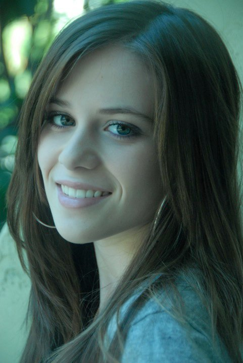 Caitlin Beadles On Twitter 13 Year Old Girl Now Vs Me As: Caitlin Victoria Beadles Photo (11728240