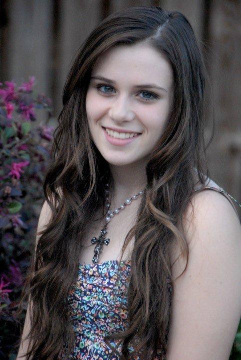 Caitlin Beadles On Twitter 13 Year Old Girl Now Vs Me As: Caitlin Victoria Beadles Photo (11728342