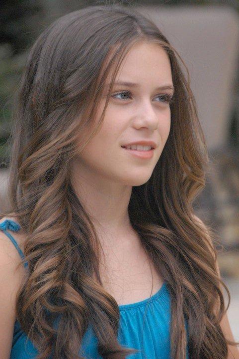 Caitlin Beadles On Twitter 13 Year Old Girl Now Vs Me As: Caitlin Victoria Beadles Photo (11728502