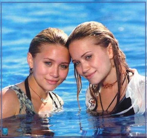 Mary-Kate & Ashley Olsen wallpaper entitled modeling & magazines (dont think i repeated any)