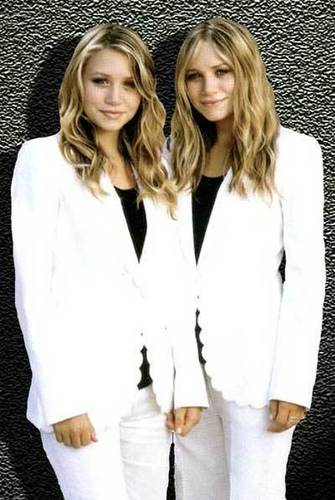 Mary-Kate & Ashley Olsen wallpaper titled modeling & magazines (dont think i repeated any)