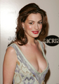 red carpet &amp; events - anne-hathaway photo