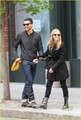 Amanda Seyfried & Dominic Cooper: kiss Kiss!