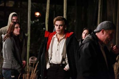 http://images2.fanpop.com/image/photos/11800000/Behind-the-Scene-1x20-Blood-Brothers-the-vampire-diaries-tv-show-11837847-400-266.jpg