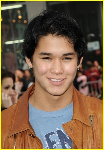 Booboo Stewart has a Nightmare on Elm straße