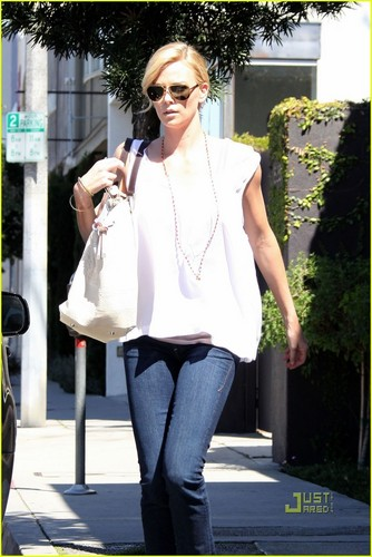 Charlize Theron is a Sunny Shopper