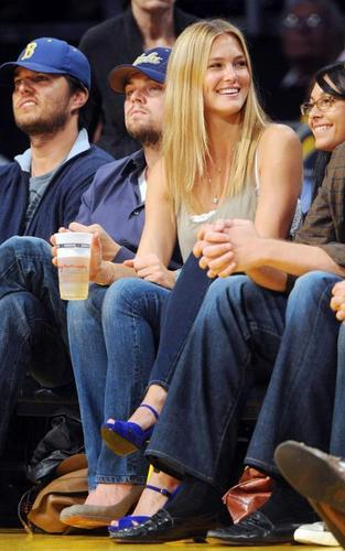 Leonardo DiCaprio and Bar Refaeli at the Lakers game (April 27)