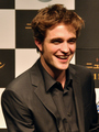 Old/New Fan Pictures of Robert Patiinson in Japan  - twilight-series photo
