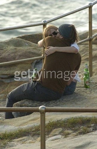 Passion Hot Kisses of Heath Ledger And Michelle Williams.ENOYY ITT with your watch and pliis comentt