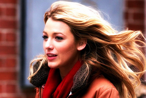 Serena van Der Woodsen wolpeyper called S.....
