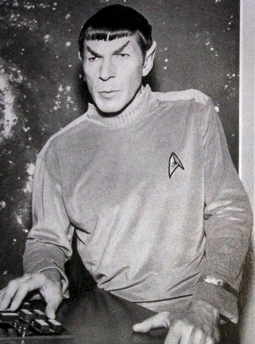 Leonard Nimoy wallpaper entitled TOS - Behind the Scenes