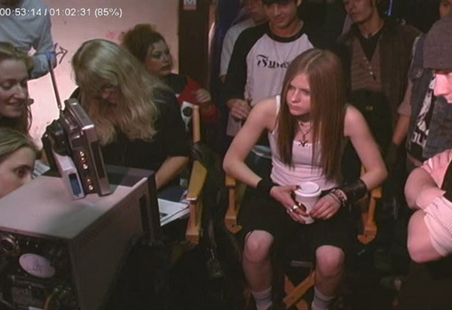 avril on set of I'm with anda
