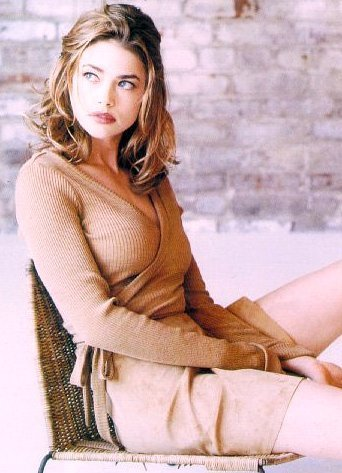Denise Richards wallpaper titled modeling & magazines
