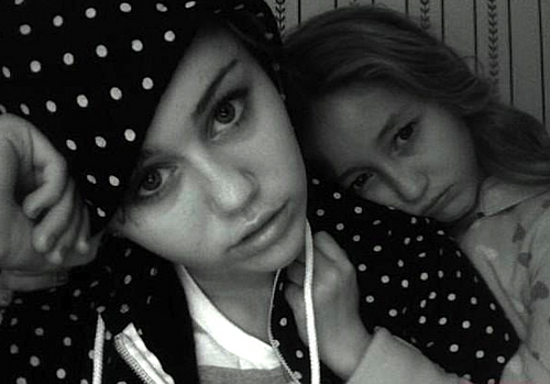 noah & miley black& white