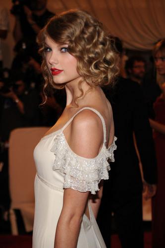 2010 Costume Institute Gala Benefit