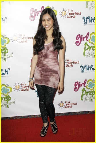 Ashley Argota is Balloon Beautiful