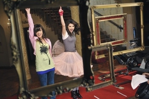 BFFE! - selena-gomez-and-demi-lovato photo