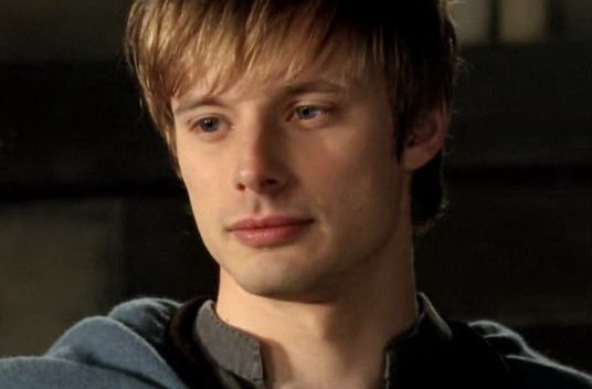 bradley james smile - photo #9