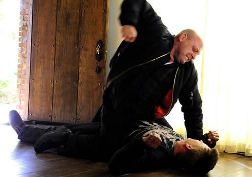 "Breaking Bad - 3.07 - ""One Minute"""