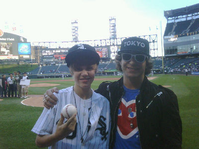 Candids > 2010 > May 3rd - White Sox Game