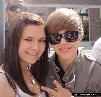 Candids > 2010 > Outside Oprah Meeting (4th May 2010) - justin-bieber photo