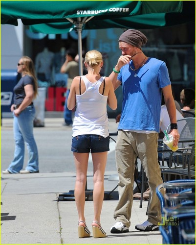 Chad Michael Murray: Starbucks with Kenzie Dalton!