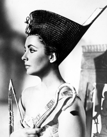 Cleopatra - elizabeth-taylor Photo