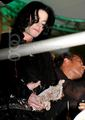 FUNNY AND CUTE!!!! - michael-jackson photo