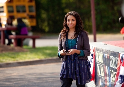 http://images2.fanpop.com/image/photos/11900000/Founder-s-Day-1-22-NEW-EPISODE-STILLS-the-vampire-diaries-tv-show-11963672-500-352.jpg