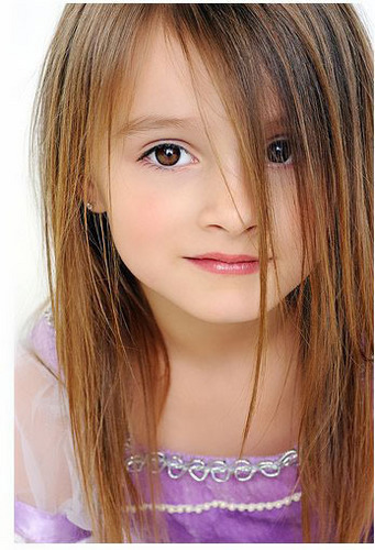 Renesmee Carlie Cullen wallpaper entitled If alice had a child she would look like this